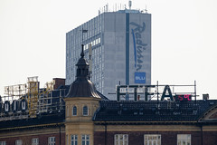 Radisson Blu (Hkan Dahlstrm) Tags: house architecture copenhagen denmark photography hotel blu radisson f90 dk cropped danmark kbenhavn 2016 kpenhamn kbenhavnv xe2 1400sek xc50230mmf4567ois 6301052016110509