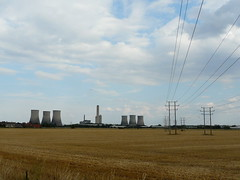 Power Output (mdavidford) Tags: field gold industrial power horizon towers farmland cables wires electricity crops milton pylons generation chimneys coolingtowers hyperbolic didcotpowerstation suttonroad didcota