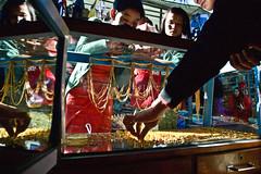 MYANMAR ON THE ROAD (Francesca Braghetta) Tags: travel people beautiful portraits canon photography blog photos burma photojournalism blogger photowalk myanmar burmese amore travelblog bagan reportage myblog photooftheday bestphoto avventure birmania anm avventurenelmondo bestportrait avventuroso mytravelgram blogdiviaggi