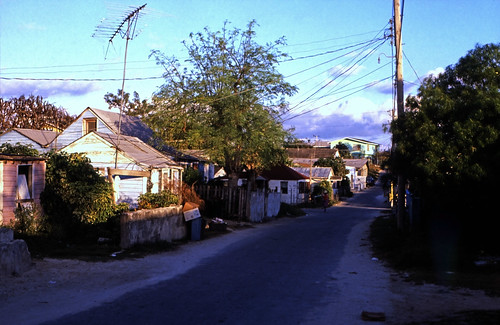 """Bahamas 1989 (339) Eleuthera: Dunmore Town, Harbour Island • <a style=""""font-size:0.8em;"""" href=""""http://www.flickr.com/photos/69570948@N04/24293986816/"""" target=""""_blank"""">View on Flickr</a>"""