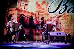 2Q9A4947 (geralddesmons) Tags: ballet flores argentina festival reina fiesta folklore musica axel corrientes tradition nacional traje coti musicos muller tradicion acordeon bandoneon instrumento pilarcita guillen barboza guitarista mercosur larrea perroni chamam tarrago fuelles spasiuk correntinos chamamecero imaguare alonsitos