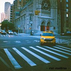 In New York City (eflyfree) Tags: newyorkcity usa apple analog big lomography iso400 11 dxo newyorkstate argentique filmisnotdead dianamini numerisation byeflyfree