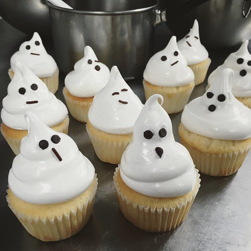 Meringue Not-So-Spooky Ghost Cupcakes