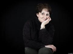 Rosa (Luicabe) Tags: mujer retrato interior estudio explore luis humano zamora cabello femenino trosa posado fondonegro yarat1 enazamorado luicabe