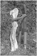 Statue dans une rue du Fontanil 3N&B (patrice3879) Tags: statue joseph place expo charles mariage rue eglise mairie salle fronton fontanil passquier
