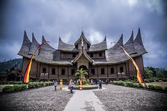 Pagaruyung Kingdom (tehhanlin) Tags: indonesia landscape sony ngc ibis bukittinggi padang novotel pagaruyung minangkabau jamgadang lembahharau westsumatera batusangkar tanahdatar ngaraisianok padangpanjang sal70400g pacujawi padangpariaman variotessar16354za a7r2 a7rm2