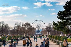 paris (MrAlnaqbi) Tags: blue light sky sun paris nature beautiful clouds canon lights landscapes nice all like flicker 70d llandscape canon70d mralnaqbi