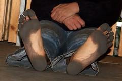 dirty party feet 549 (dirtyfeet6811) Tags: feet barefoot soles dirtyfeet partyfeet dirtysoles blacksoles