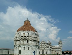 20150610-020F (m-klueber.de) Tags: italien italia dom pisa campanile piazza duomo toscana turm dei toskana miracoli 2015 schiefer romanisch romanik mkbildkatalog 20150610 20150610020f