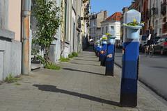 Projet 366 (2016)_110/366 (busemelissaaltan) Tags: street blue colors tricot bleu rue trottoir yarnbombing