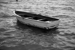 Barca (Manuel Fernndez.) Tags: sea blackandwhite bw espaa white black byn blancoynegro blanco beach water rain canon eos boat mar los lluvia spain agua barco y negro playa murcia 6d 2016 alczares