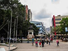 "Tegucigalpa: la Plaza Morazan et la statue de Francisco Morazan <a style=""margin-left:10px; font-size:0.8em;"" href=""http://www.flickr.com/photos/127723101@N04/25946895304/"" target=""_blank"">@flickr</a>"