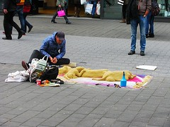 Street Sculptor (streamer020nl) Tags: chien dogs germany deutschland sand hund aachen streetartist aken zand brd 2016 honden 180416 streetsculptor