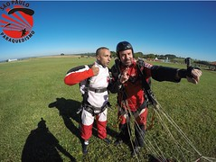 G0110137 (So Paulo Paraquedismo) Tags: skydive tandem freefall voo paraquedas quedalivre adrenalina saltar paraquedismo emocao saltoduplo saopauloparaquedismo