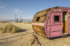 Pink trailer (philippe*) Tags: abandoned trailer saltonsea