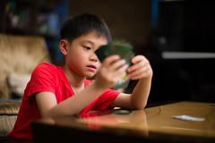 Playing cards (JFLI0325) Tags: leica jason kids portraits 50mm bokeh f10 noctilux m9 2016