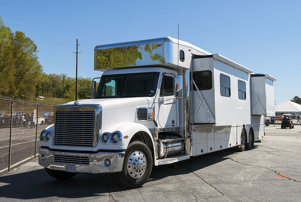 The World's Best Photos of freightliner and rv - Flickr Hive Mind