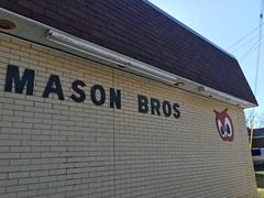 Mason Bros. Red Owl- Green Bay, WI (MichaelSteeber) Tags: wisconsin outside outdoors store market greenbay groceries redowl masonbros