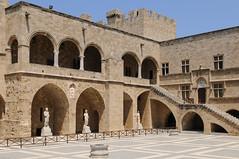 Rhodes - Le Palais du Grand Maitre (darkfloyd60) Tags: europe gr rodos rhodes grce 2009 continents egeo annes