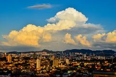 Belo Horizonte (Israel C.M. Oliveira) Tags: city light brazil storm luz brasil clouds nikon chuva paisagem panoramicas contraste nuvens belohorizonte horizonte belo entardecer cidades minasgeraes