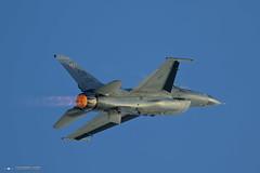 F-16 Viper Demo Team (PhantomPhan1974 Photography) Tags: demo airshow lockheed viper cno demoteam planesoffame 2016 generaldynamics f16c kcno