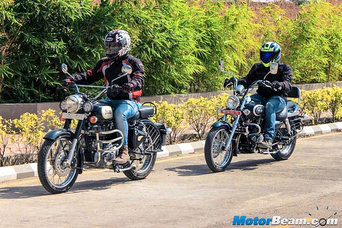 Bajaj-Avenger-220-vs-RE-Classic-350-11