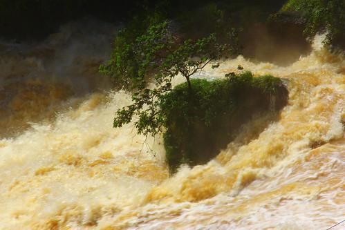 Ilha no Salto Monday - Paraguay