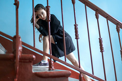 (altingfest) Tags: blue red portrait girl up stairs 35mm canon russia geometry cyan indoor down carl 5d sight russian ze distagon carlzeiss 5dmarkii 5dm2 5dmark2 distagont1435 carlzeissdistagont35mmf14