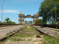 Ponte Internacional Barão de Mauá (Gijlmar) Tags: bridge brazil southamerica brasil puente uruguay pod border brasilien ponte most pont montevideo brug brücke riograndedosul frontera brasile híd brésil köprü américadosul riobranco fronteira montevidéu brazilië jaguarão uruguai amériquedusud américadelsur мост γέφυρα urugwaj уругвай μοντεβιδέο ουρουγουάη монтевидео