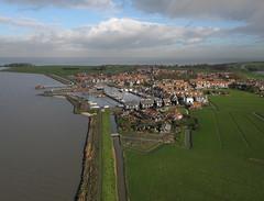 Marken 08-01-16 (4) (de kist) Tags: thenetherlands aerial kap marken waterland markermeer gouwzee markendijk markenhavenbuurt markenkerkbuurt