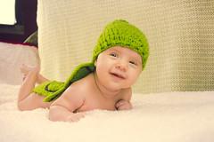 Ainhoa Tortuguita (Juanedc) Tags: baby verde green girl beautiful costume spain turtle zaragoza disfraz newborn aragon bebe tortuga hermosa saragossa beba ainhoa neonato valdespartera espaa nia