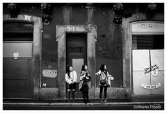 Taxi! (alberto pizzoli) Tags: street city people urban blackandwhite italy rome citylife streetphotography ita streetphoto