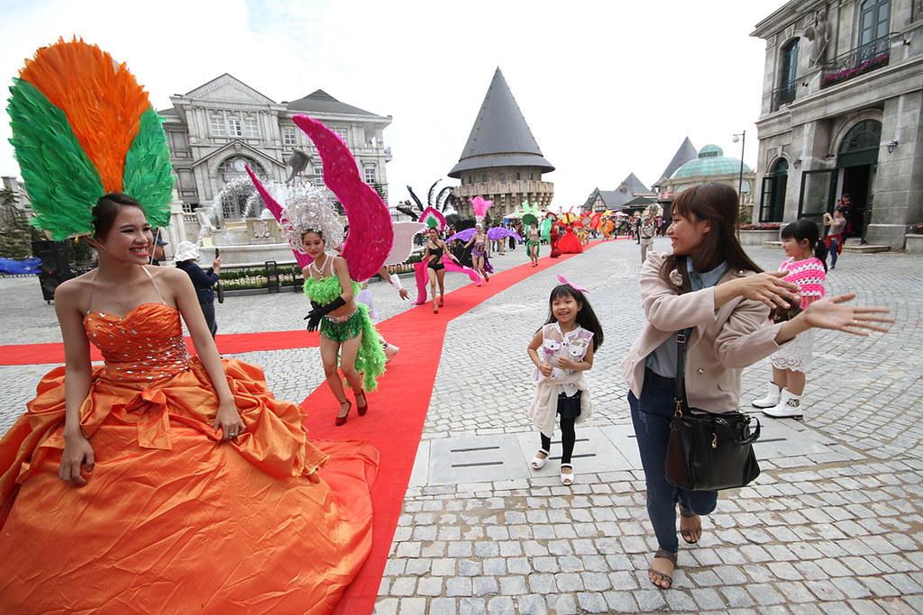 carnival1-tieudungplus