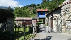 Entrada a la Casa (brujulea) Tags: casa asturias entrada casas colunga sotu rurales molin brujulea