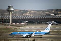 KLM B737-800 (PH-BCA), MAD ATC & T4S (CAUT) Tags: madrid españa plane airport spain nikon aircraft aviation january enero airline mad flughafen klm flugzeug aeropuerto spotting avion t4 aviacion 2016 adolfosuarez spotter d610 aerolinea t4s aeropuertomadrid lemd caut madridbarajas nikond610