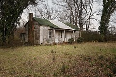 Abandoned House - just barely... (Mr. Pick) Tags: house abandoned tn tennessee oldsalem rutherfordcounty rockvale