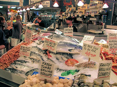 Pike Place Market, Seattle. (dckellyphoto) Tags: seattle fish downtown crab scallops pacificnorthwest seafood pikeplacemarket pikeplace 2010 scampi