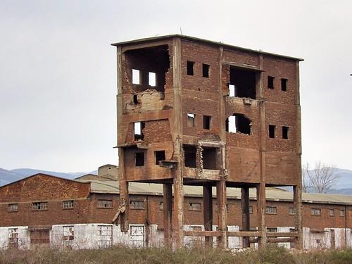 Le bâtiment ne repose plus sur ses pieds