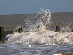 Breaking wave (Andy T Lee Photography) Tags: sea beach wave breakingwave breakwater littlehampton