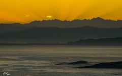 Riscando el alba (Fran Roso) Tags: costa gijn asturias luanco amanecer picosdeeuropa marcantbrico