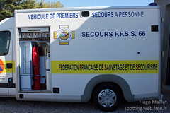 F.F.S.S. | Renault Master (spottingweb) Tags: france truck 66 ambulance renault master lorry camion vehicle spotted van medic paramedic chu secours roussillon hopital languedoc perpignan spotting ch association urgence intervention ffss bless victime pyrnesorientales fourgon civile scurit vhicule secouriste sauvetage camionnette bnvole fourgonnette brancard gyrophare secourisme quipier centrehospitalier ambulancier vpsp spottingweb fdrationfranaise