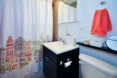 941.Chicago.GD.BA (BJBEvanston) Tags: horizontal bathroom furnished 941 941chicago 1gdn