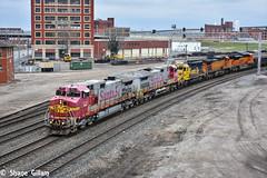Santa Fe roaming in Kansas city. (Machme92) Tags: railroad sky santafe burlington america rail row bn american rails ge railyard railfan bnsf railroads railroading emd atsf railfanning dash9 railfans burligrton