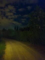 Un soir en Toscane (Phil Chapp) Tags: jaune sony ciel nuage nuit philchapp xperiaz5