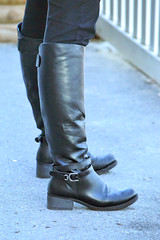 2016-01-03 (94) r9 boots at Laurel Park (JLeeFleenor) Tags: girls woman black photography donna md shoes boots photos femme mulher maryland footwear frau vrouw buckles dona laurelpark wanita    kneehigh kvinne   nainen kobieta footgear   kvinde ena  kvinna kadn n lamujer    marylandhorseracing  marylandracing ngiphn