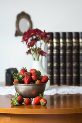 Deliciosas fresas (www.decherry.com) Tags: life luz frutas fruits still strawberries ligth fresas bodegon