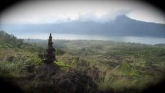 le cairn du Mont Batur  - 06 (Franois le jardinier de Marandon) Tags: bali cairn landart batur rockbalance indonsie franoisarnal