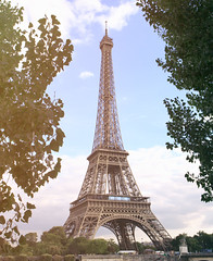 Eiffel Tower - Paris (Hadi Al-Sinan Photography) Tags: paris france tower canon river photography eiffel framing hadi 2470mm intertesting alsinan