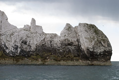 The Needles, Isle of Wight, United Kingdom (Tiphaine Rolland) Tags: uk greatbritain sea england mer water island coast nikon rocks eau unitedkingdom cte cliffs isleofwight gb angleterre 1855mm 1855 needles isle channel manche rochers falaises aiguilles le 2016 royaumeuni grandebretagne d3000 nikond3000