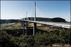 Viaduc de Millau (cdut70) Tags: pont paysage tarn millau viaduc languedocroussillon autofocus aveyron viaducdemillau valledutarn ponthaubans nikonflickraward naturebynikon